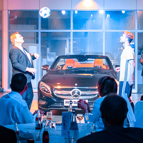 Fussball-Show-Mercedes-Benz